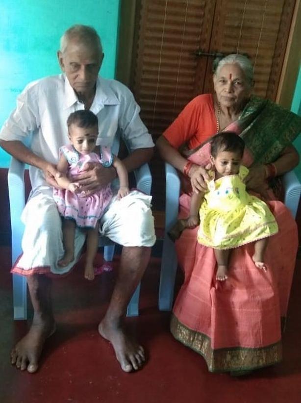 Bà mẹ lần đầu sinh con ở tuổi 73