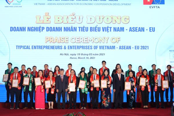 HDBank vào nhóm DN dẫn đầu các ngành Việt Nam- ASEAN- EU
