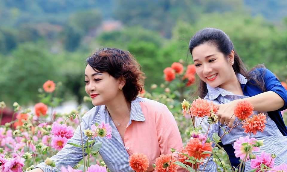 Vẻ trẻ trung xinh đẹp của Thanh Thanh Hiền dù đã ngoài 50