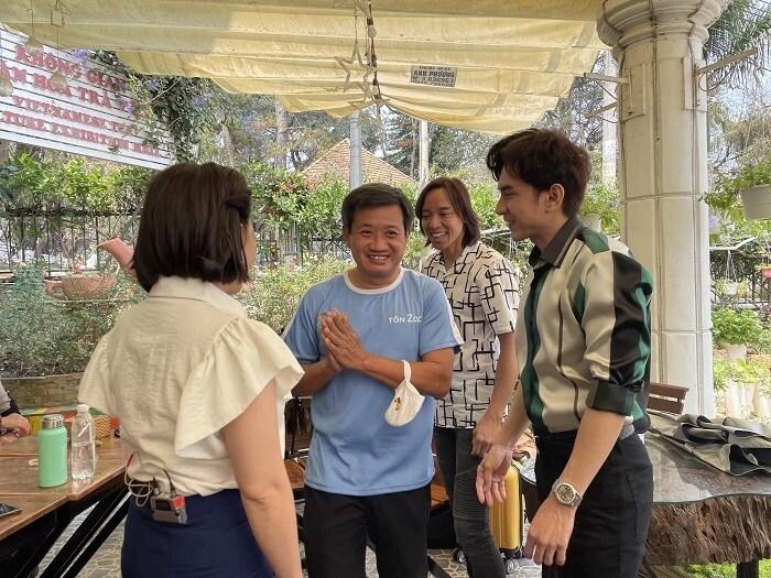 Ông Đoàn Ngọc Hải hạnh phúc khi gặp Việt Hương, Đan Trường