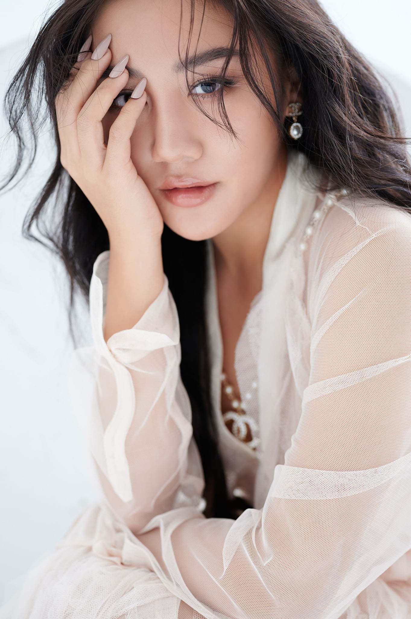 Văn Mai Hương:'Đi qua những tổn thương, tôi không còn sợ yêu nữa'