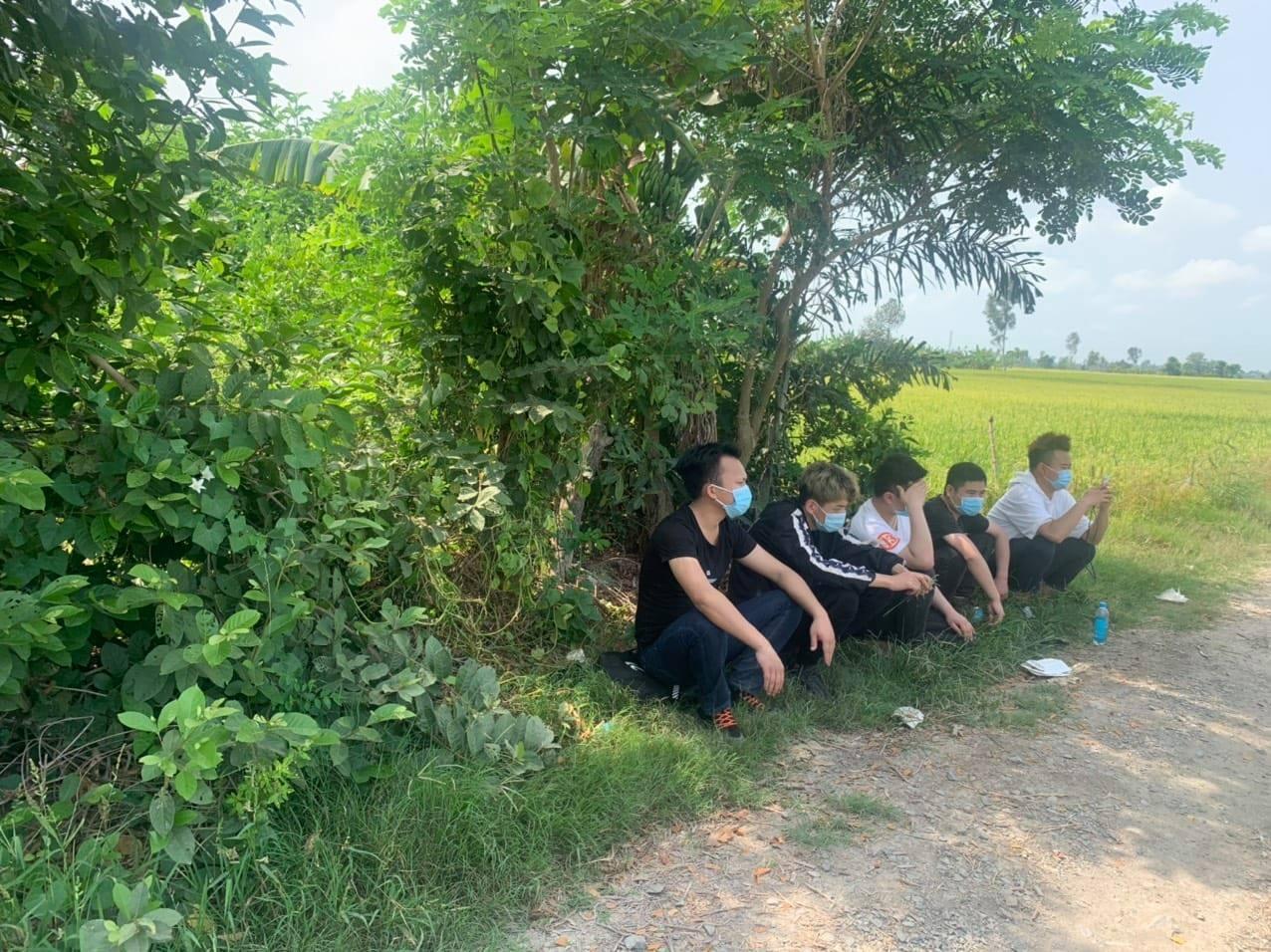 Bắt 5 người Trung Quốc nhập cảnh trái phép vào Việt Nam