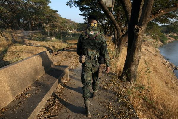 Quân đội Thái Lan bác tin tiếp tế gạo cho binh lính Myanmar