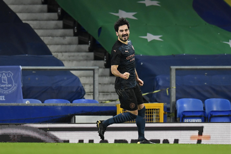 Thắng nghẹt thở Everton, Man City vào bán kết FA Cup
