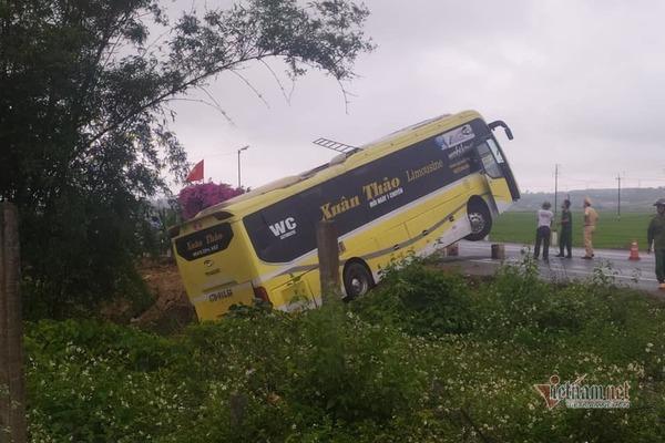 Người phụ nữ tử vong sau va chạm với xe khách ở Quảng Trị