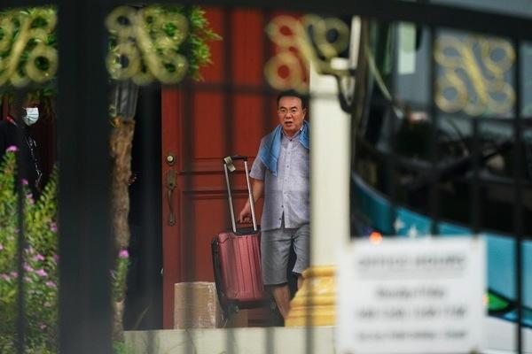 Các nhà ngoại giao Triều Tiên rời khỏi Malaysia