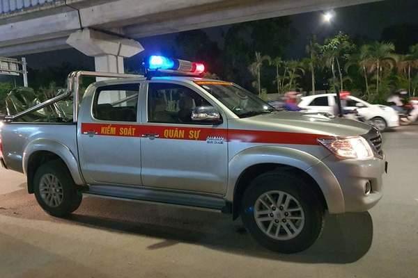 Cảnh sát điều tra vụ tài xế ghì cổ, tát CSGT vì bị nhắc đỗ xe giữa ngã tư để ngủ