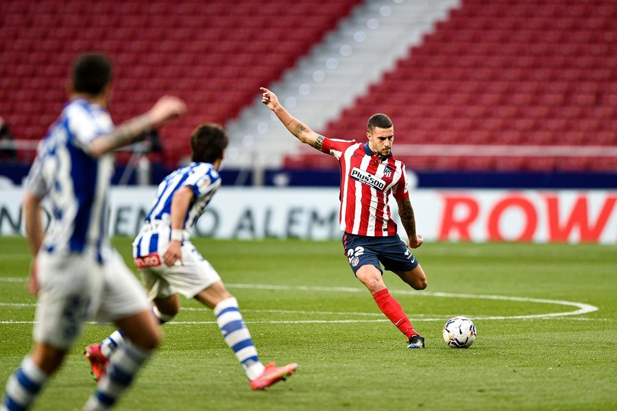 Suarez hóa người hùng, Atletico củng cố ngôi đầu