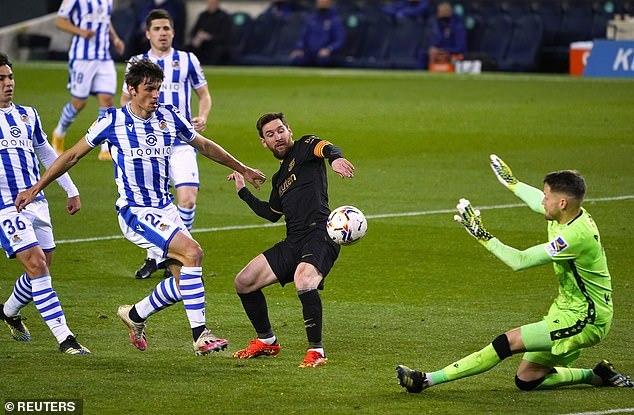 Messi bùng nổ trong ngày lịch sử, Barca thắng kiểu tennis