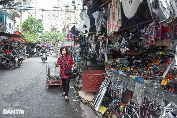 Unique flea market famous for cheap and abundant spare parts