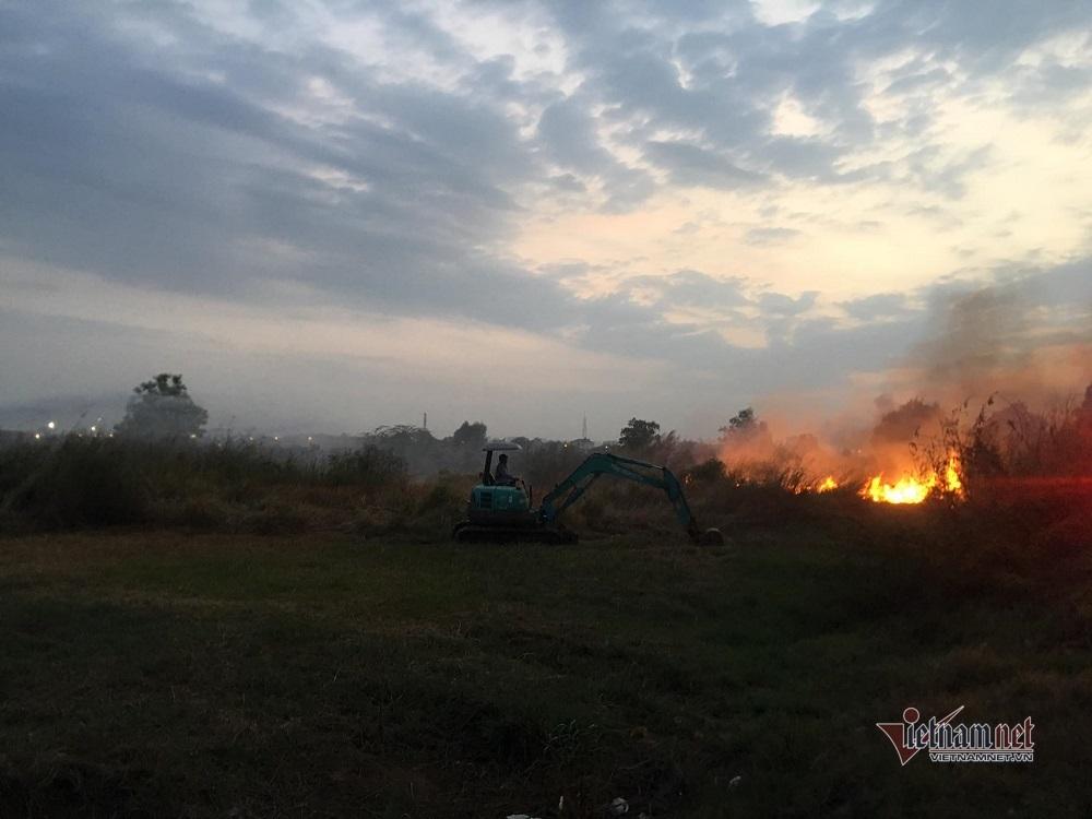 Cháy lớn trong Khu Công nghệ cao TP.HCM