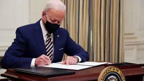 Tung gói tiền nghìn tỷ USD, TT Joe Biden lập tức ghi dấu ấn lịch sử