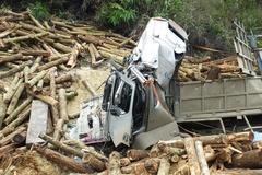 Khởi tố vụ lật xe chở keo khiến 7 người chết ở Thanh Hóa