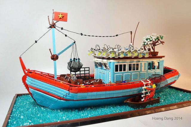 Báo Anh viết về người tái hiện đường phố Việt Nam bằng lego