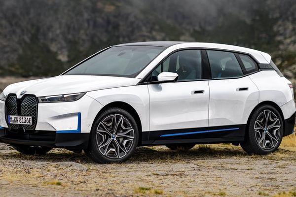 Hé lộ giá bán mẫu xe điện nhiều người mong đợi BMW iX xDrive50