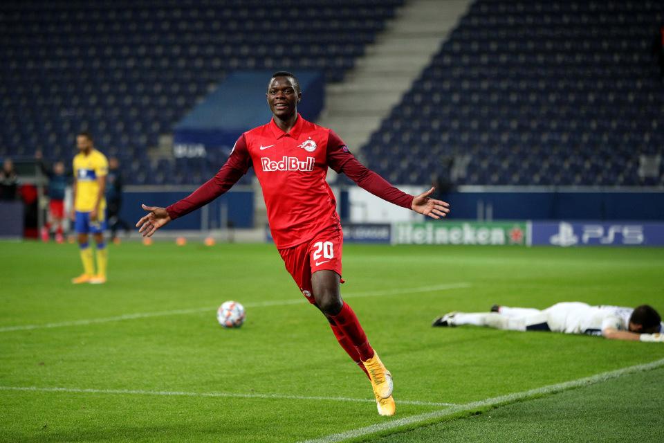 MU và Arsenal giành giật chữ ký 'Samuel Eto'o mới'