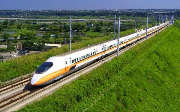 Vietnam speeds up high-speed railway projects