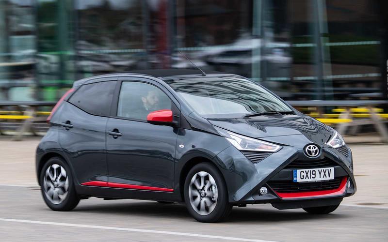 Những chiếc xe đời 2021 giá rẻ nhất