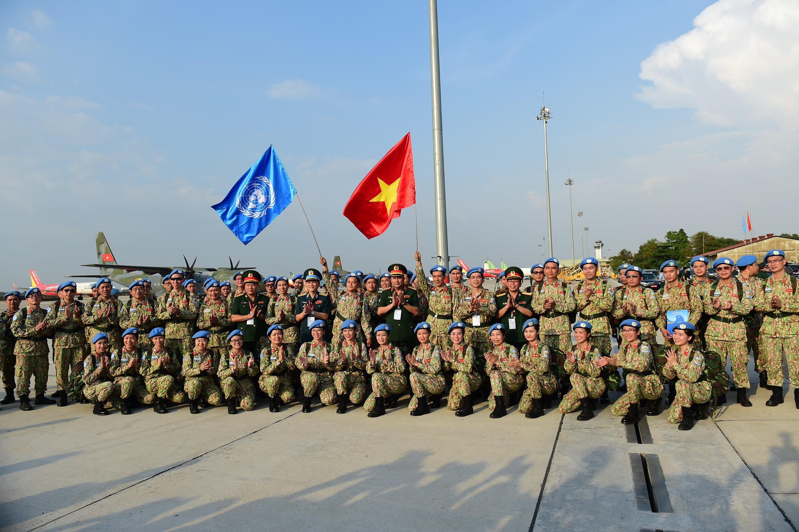 Lễ xuất quân của chiến sĩ mũ nồi xanh làm nhiệm vụ gìn giữ hòa bình