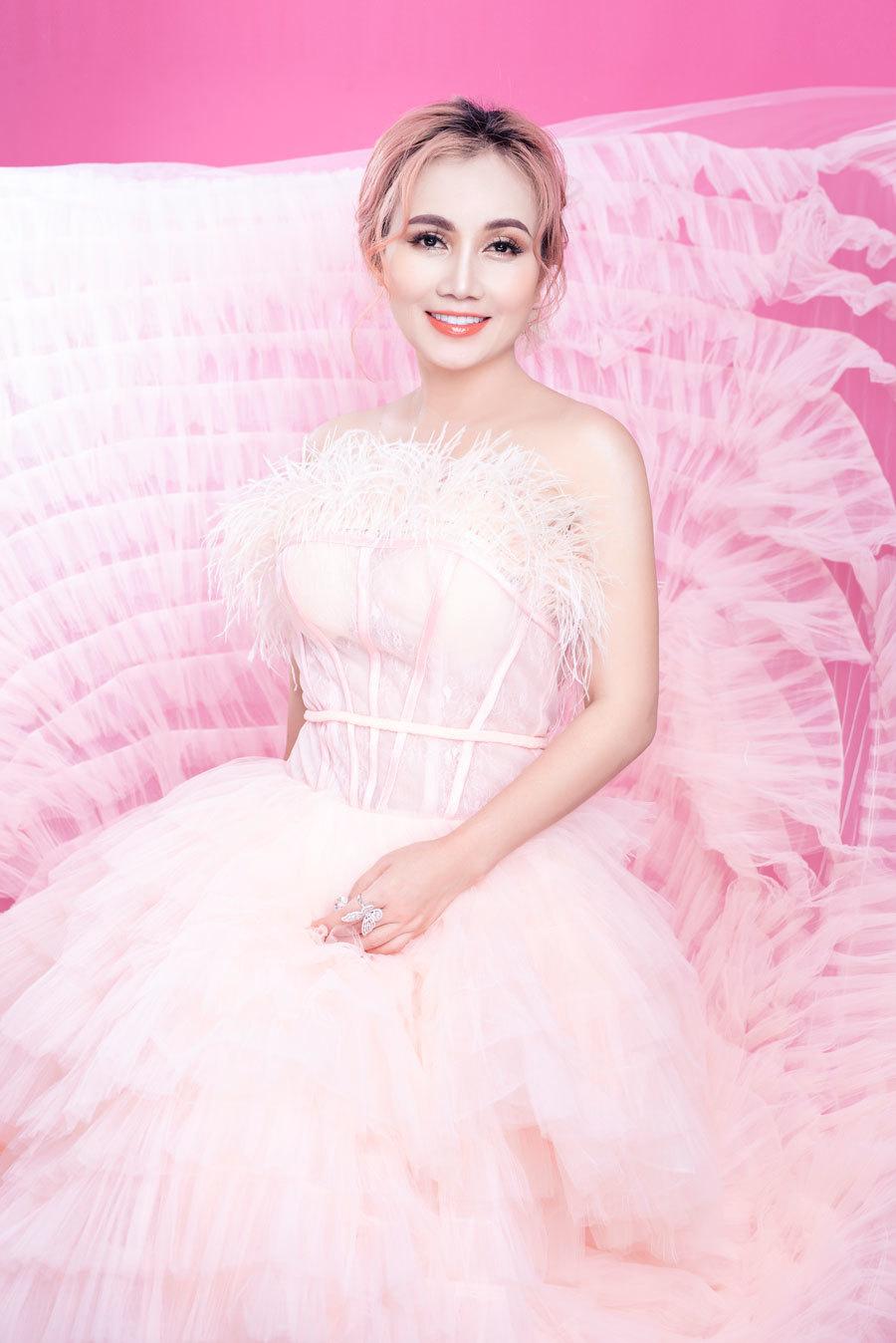 Diễn viên Hoàng Yến đang hẹn hò với bạn trai kém 16 tuổi