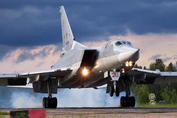 Máy bay ném bom Nga gặp tai nạn trước khi cất cánh, 3 phi công thiệt mạng