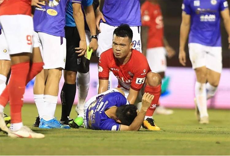 Vòng 5 V-League: Công Phượng khai hỏa, Hùng Dũng chấn thương nặng