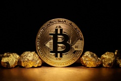 Bitcoin bật lên 57.000 USD, 1,3 tỷ đồng ăn 1 đồng tiền ảo