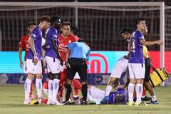 Hùng Dũng chấn thương: Bóng đá Việt tổn thương và mất mát