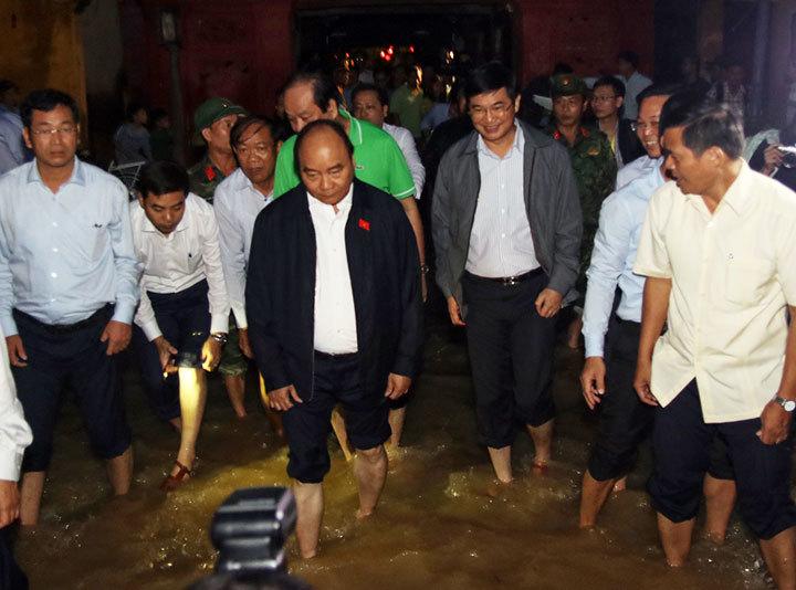 """570 chuyến """"lên rừng, xuống biển"""" của Thủ tướng, Phó Thủ tướng"""