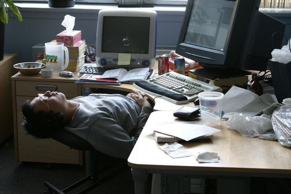 Nhiều người trẻ kiệt sức, muốn bỏ việc trong đại dịch Covid-19