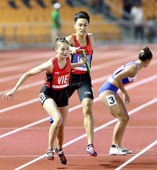 Olympic target slipping away as Games approach
