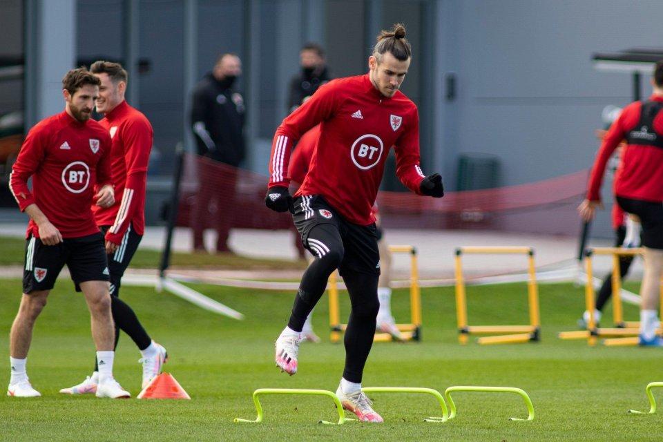 Gareth Bale xác nhận rời Tottenham trở lại Real hè tới