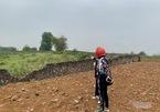 Miếng đất trong làng, 'cò' giục mua ngay sang tay tiền tỷ