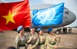 Medical officers leave Vietnam for South Sudan mission