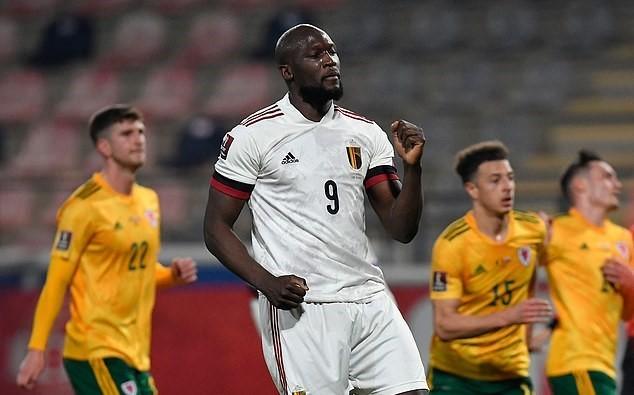 De Bruyne, Lukaku giúp Bỉ vùi dập Wales trận khai màn