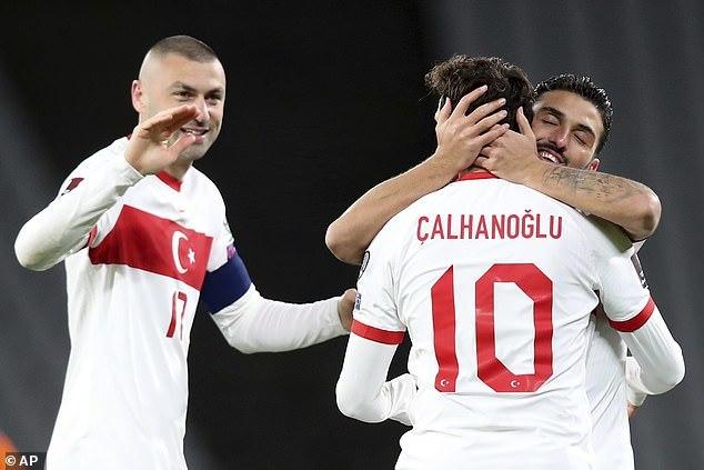 Hà Lan thua tan nát trên đất Thổ Nhĩ Kỳ