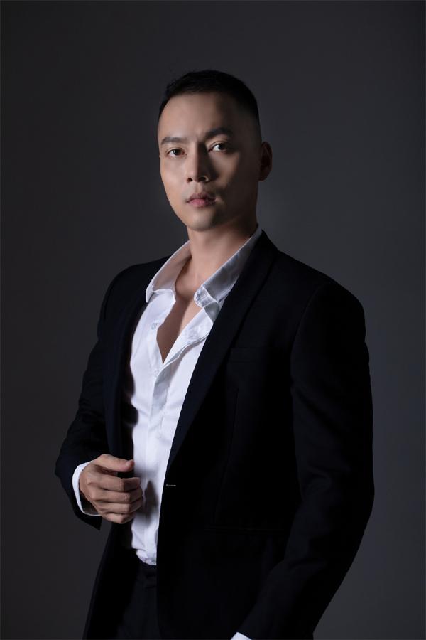 Chàng CEO điển trai thành công từ kinh doanh mỹ phẩm cho phái đẹp