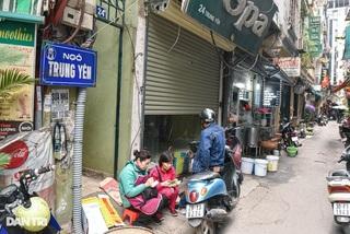 Lạ lùng con ngõ ẩm thực đủ 'Sướng', 'Nhàn', 'Vui', 'Sân si' ở Hà Nội