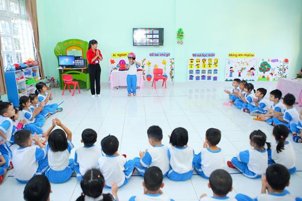 'Tôi yêu Việt Nam' giúp trẻ tham gia giao thông an toàn