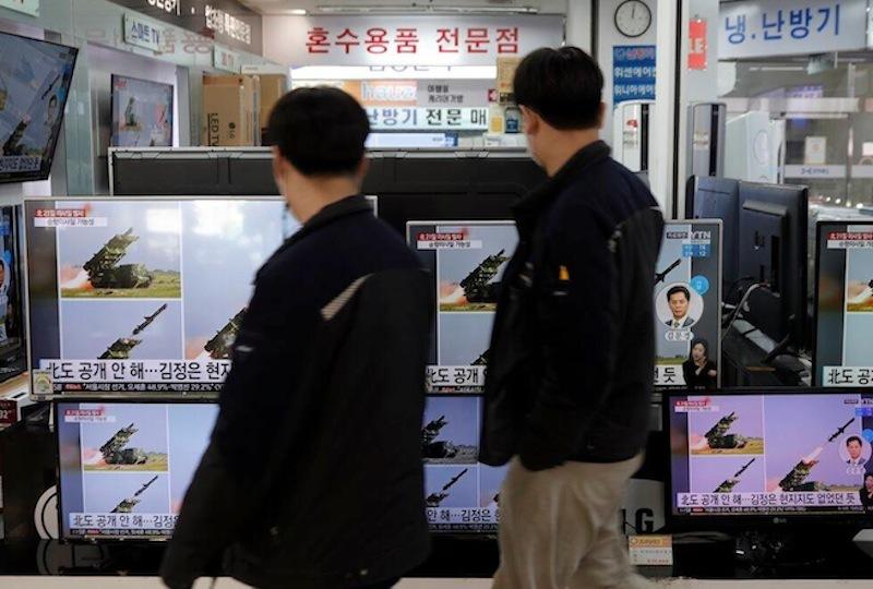 Triều Tiên liên tiếp thử tên lửa, 'nắn gân' Mỹ và cảnh báo Nhật?