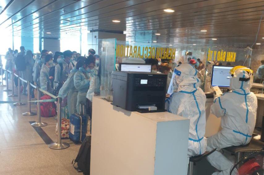 Chuyến bay quốc tế đưa hơn 200 công dân Việt Nam về nước