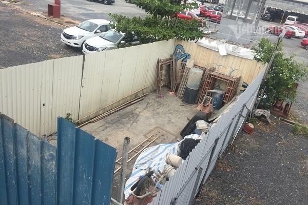Hộ dân ngang nhiên rào chắn lối đi chung
