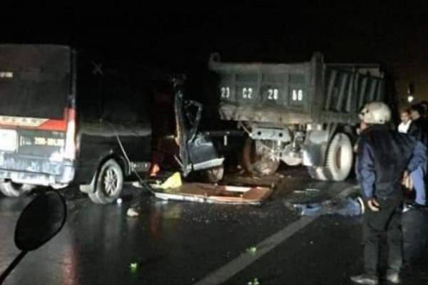 Xe khách tông xe tải, 3 người tử vong ở Thái Nguyên