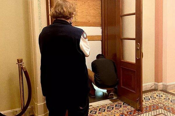 Phòng họp Hạ viện Mỹ được gia cố bằng cửa chống đạn