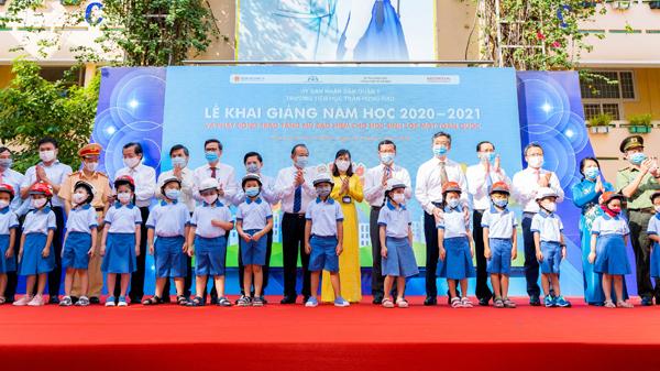 Trao gần 6 triệu mũ bảo hiểm cho học sinh lớp 1 toàn quốc
