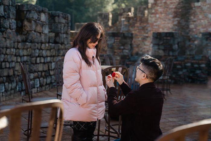 Hoa hậu Thu Hoài tình tứ với hôn phu kém 10 tuổi