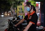 Nhóm bạn trẻ Sài Gòn đêm ra đường cứu người gặp tai nạn