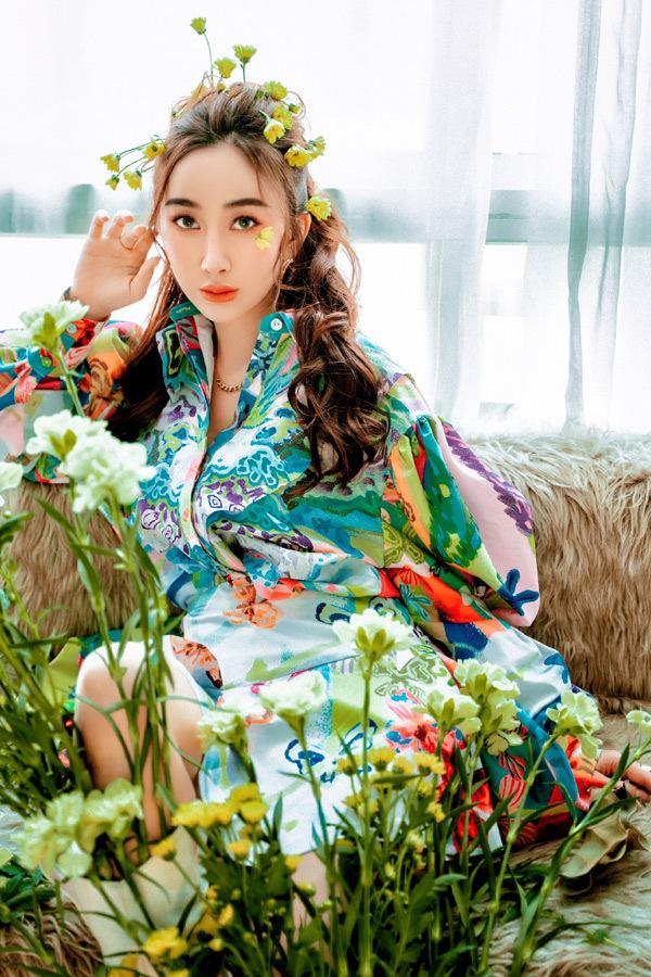 Nữ CEO khoe vẻ trẻ trung ấn tượng trong bộ ảnh 'high fashion'