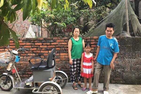 Bố tàn tật, mẹ thiểu năng trí tuệ, 2 bé gái tương lai mịt mờ
