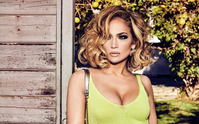 Jennifer Lopez là ngôi sao có thân hình đẹp nhất tuổi ngoài 40